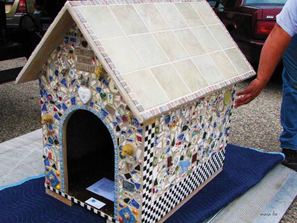 mosaic-tile-dog-house-2