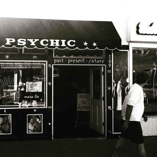 doesn't take a psychic © mara lee
