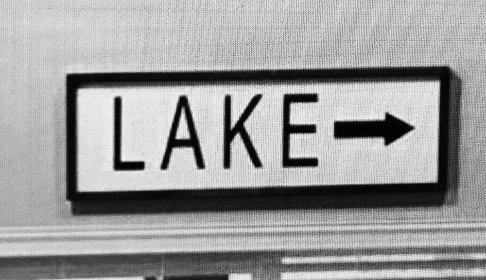 lake-sign